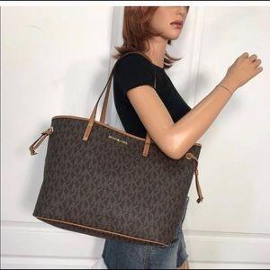 Michael Kors Bags - 💦🌻mk Tote🌻drawstring/large/shoulder bag